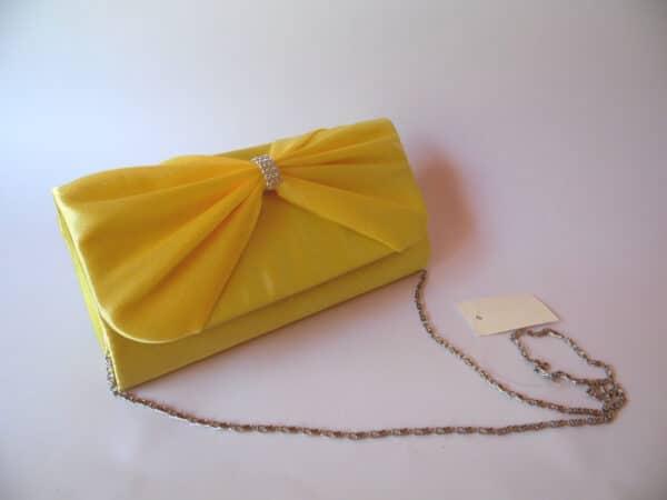 Clutch amarillo. scaled
